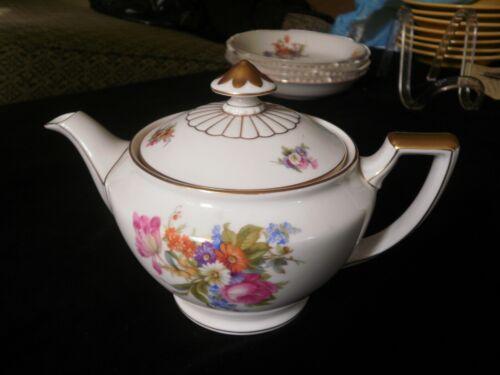 Heinrich Bavaria Floral Teapot Rep. HC400