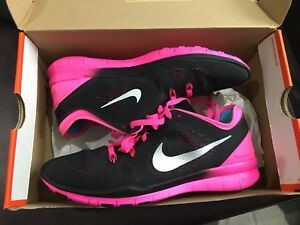 Brand new women's Nike runners