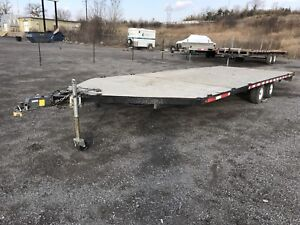 Flat deck/snowmobile trailer. 2006