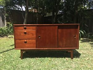 Compact mid century retro vintage teak sideboard buffet table console