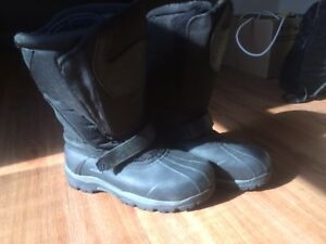 Therm Acton Men's Winter Boots size 12