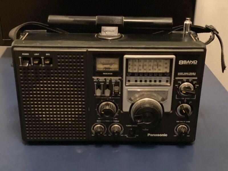 PANASONIC RF-2200 8 BAND SHORT WAVE DOUBLE SUPERHETERODYNE RADIO