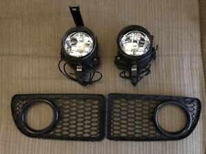 Volkswagen R32 / Bora Fog Light Kit Oem