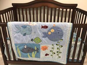 4 in 1 baby crib + mattress + bedding set (Lamb & Ivy)