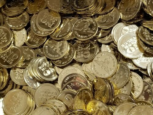 """Lot of 100 No Cash Value Brass Tokens - Eagle, Size .984"""""""