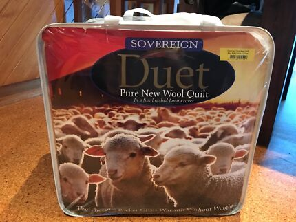 Sovereign duet pure wool king bed quilt Taylors Lakes Brimbank Area Preview