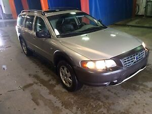 Volvo XC 70  gold well maintained, runs very well