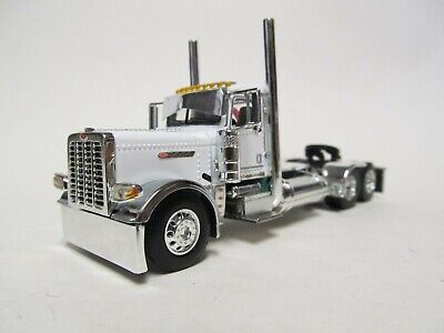 DCP 1/64 SCALE 389 PETERBILT DAY CAB, WHITE/CHROME, PRIDE & CLASS HOOD & GRILL