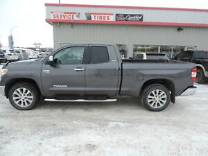 2014 Toyota Tundra Limited 5.7L V8 Limited One Owner, Leather...