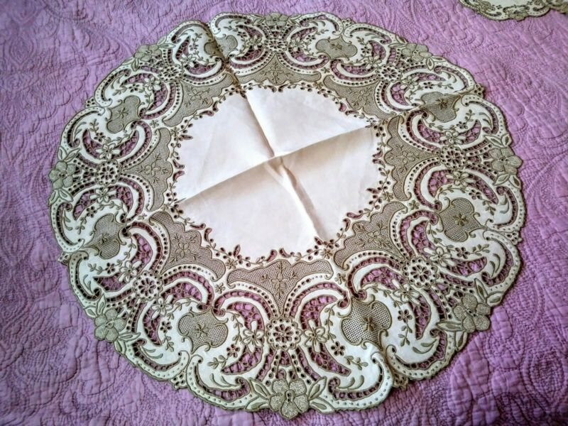 Elaborate Expert Madeira Floral Cutwork & Embroidered  Linen Doily 13 Piece Set