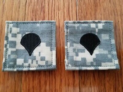 US Army pair of two (2) Specialist / SPC / E-4  hook&pile tape rank ACU patches