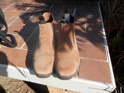 !! Bata size 9 steel cap work boots near new!! Kallangur Pine Rivers Area Preview