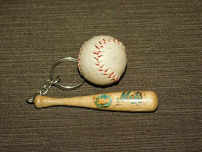 VINTAGE OLD CAR KEY CHAIN 1988 MLB METS BASEBALL & BAT