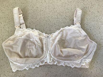Hotmilk lingerie maternity bra (size 12G)