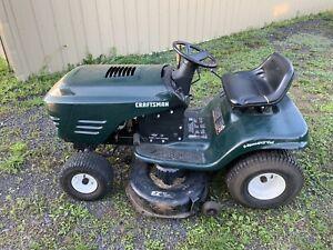 Tracteur à pelouse (gazon)