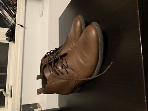 Guess leather chukka boots