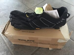 Vibram FiveFingers Men's shoes size 11.5-12