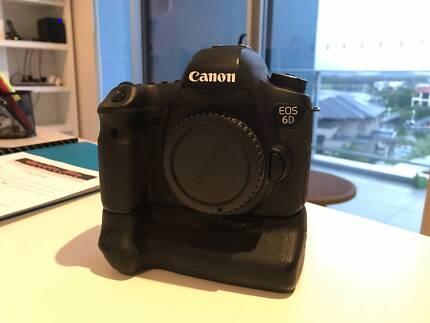 Canon EOS 6D 20.2MP Full Frame DSLR Camera Body + Battery Grip