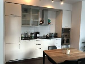 2 Bedroom,1.5 Washroom Luxury Condo In Downtown Toronto