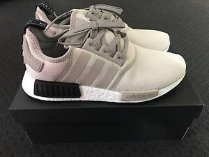 Adidas NMD R1 (ash/white-burgundy) - Footlocker Exclusive Richmond Yarra Area Preview