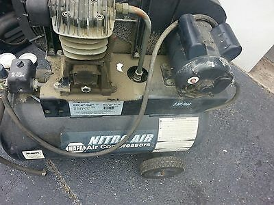 Nitroair Napa 20 Gallon 5hp 125psi Air Compressor Nac82-4252-pat As Is