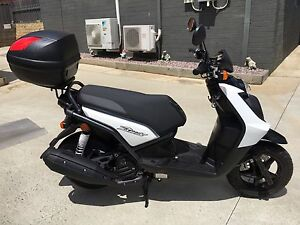 YAMAHA  YW125  BEEWEE  SCOOTER  -  ***45kms*** East Devonport Devonport Area Preview