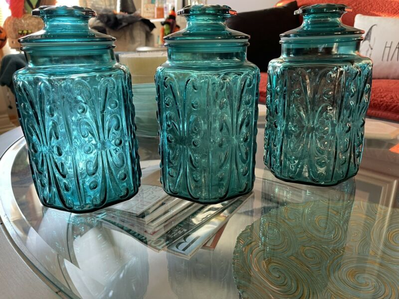 1960s L.E. Smith Imperial Atterbury Scroll Aqua Blue 3 Cannisters at 9 Inches