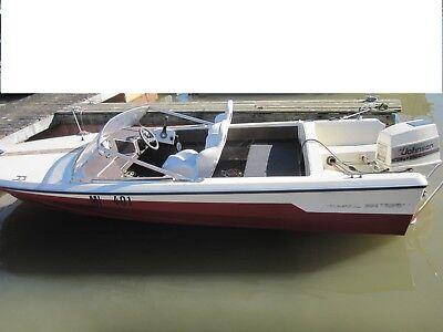 Sportboot  mit Trailer