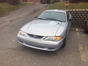 '95 Ford Mustang to trade for truck, jeep, or schoolbus