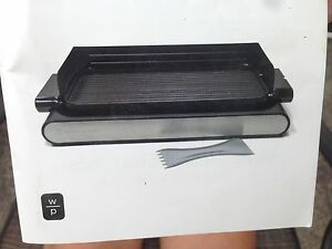 Indoor reversible electric grill/ griddle