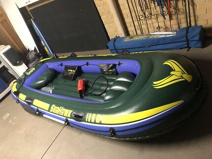 Inflatable 4 man raft