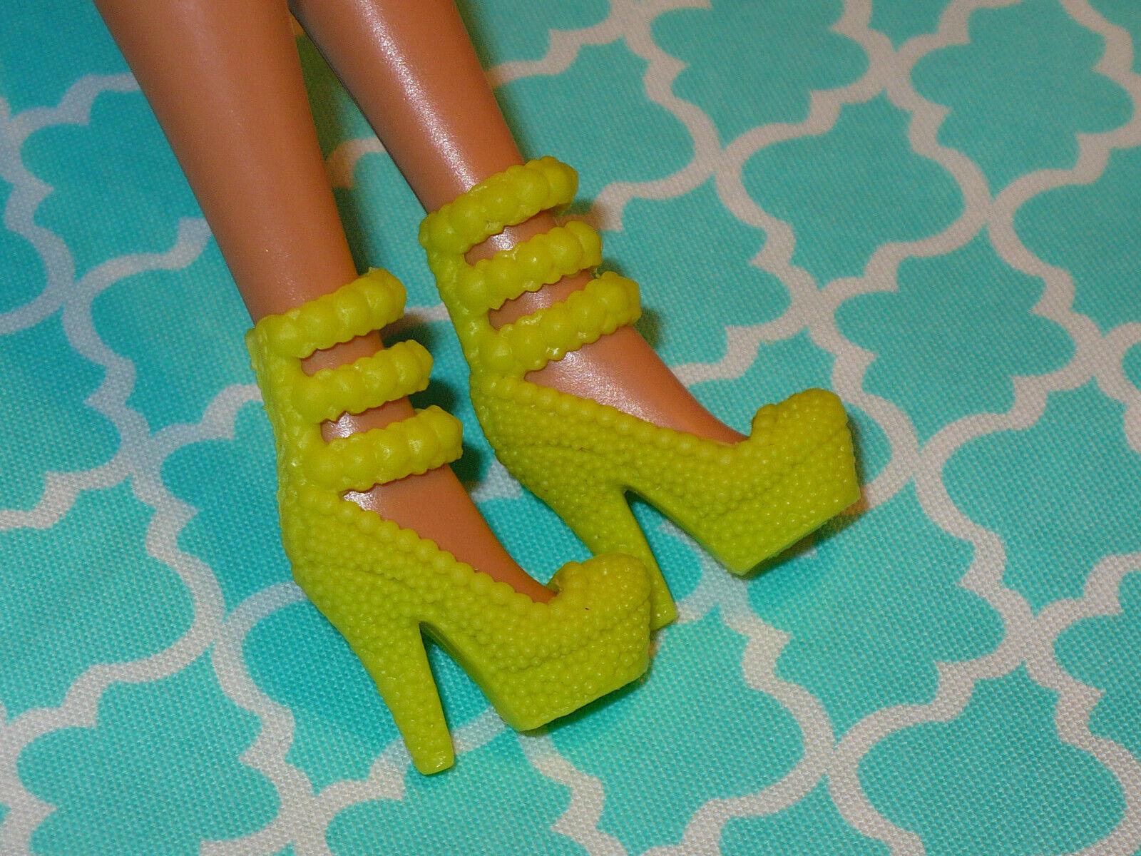 Mattel Barbie Doll Shoes FASHIONISTAS FASHION FEVER FANCY GREEN HIGH HEELS - $10.39