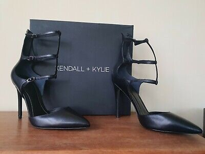 Kendall And Kylie Size 7 black Stiletto Sandals