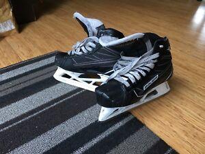 Bauer S170 Goalie Skates Size 4