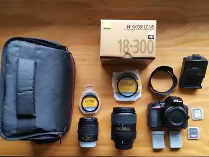 Nikon D5600 + 18-55mm + 18-300mm + accessories