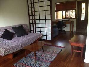 Short term - Self contained 1 bedroom flat  $240 pw Smithfield Smithfield Cairns City Preview