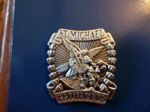 ST. MICHAEL PROTECT US SPIRITUAL RELIGIOUS HAT/LAPEL PIN NEW IN ORIGINAL PACKAGE