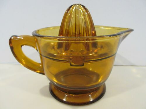 US GLASS AMBER 2 CUP MEASURING PITCHER WITH REAMER