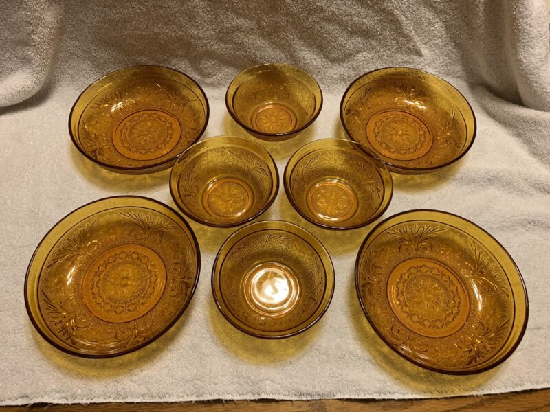 Vintage lot of 8 Amber Sandwich Tiara Glass BOWLS - 2 different sizes