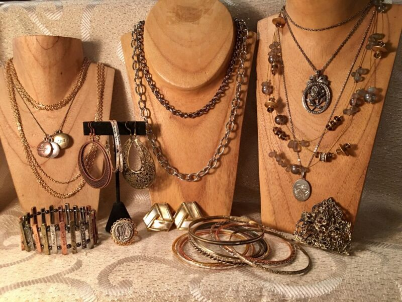 MIXED METAL Jewelry Lot•Brass-Gold-Copper-Pewter Tones+ Necklaces*Earrings  a68