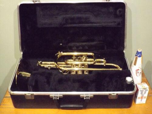 Vincent Bach Mercedes Cornet Trumpet 2 Mouth Pieces Case Mute 77873