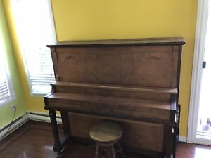 Piano BELL 1916