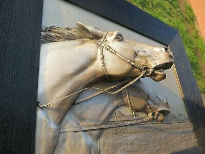Reliefbild Pferde auf Rennbahn Georg Bommer Metallrelief Metallbild online kaufen