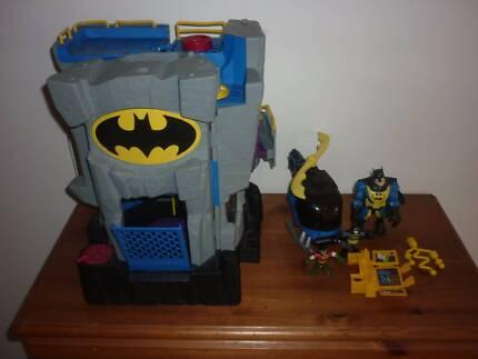Batman Castle Figures And