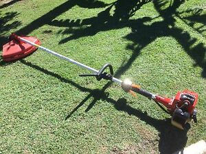 Whipper snipper straight shaft heavy duty very little use Camp Hill Brisbane South East Preview