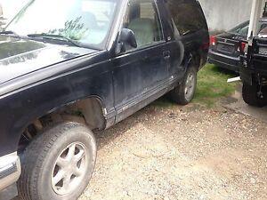 Parts vehicle