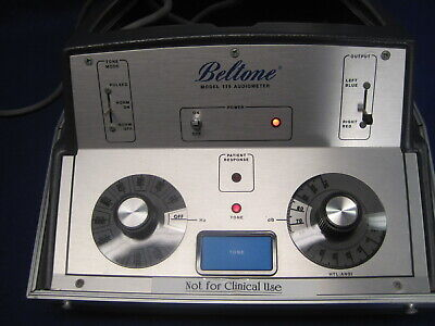 Beltone Portable Audiometer Model 119 With The Big Chrome Knobs - Works
