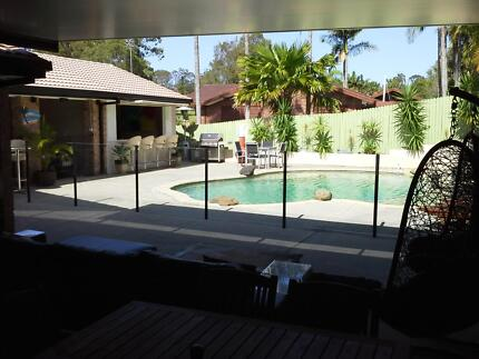 Short term queensize room available in resort style home Ashmore Gold Coast City Preview