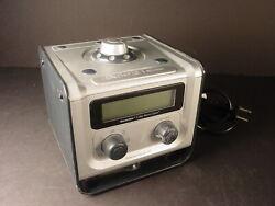 American Innovative clock radio Neverlate silver black NL7DAC-PO w/manual Works