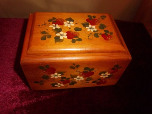 Vintage Hand Painted Wooden Recipe Box Strawberry & White Flowers
